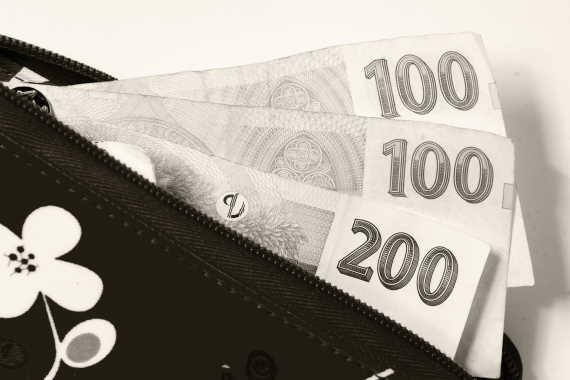 Kde sehnat peníze, když potřebujete rychle menší sumu v hotovosti nebo na účet? Řešením může být nebankovní půjčka do 20000 Kč, která je k dispozici jen na občanku, bez potvrzení o příjmu. O takovou půjčku je možné požádat i přes internet a peníze máte ještě dnes, nebo do 24 hodin.